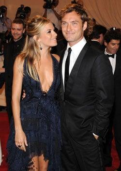 Jude Law and Sienna Miller Split 2011-02-08 13:39:51