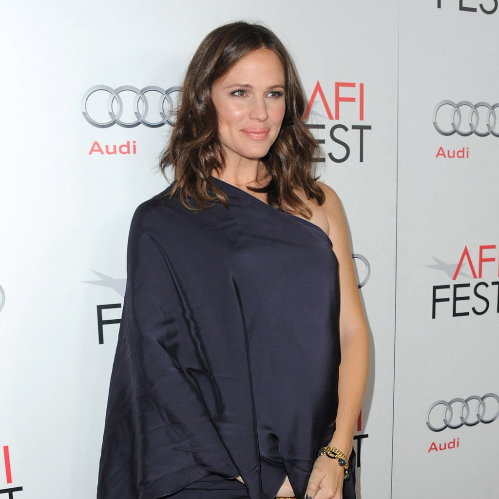 Jennifer Garner's One-Shoulder Look
