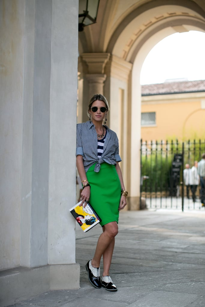 Between the styling, the standout bag and shoes, and the backdrop, we're totally in love with this look.
