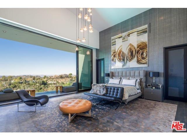 Chrissy Teigen And John Legend S New Beverly Hills Mansion