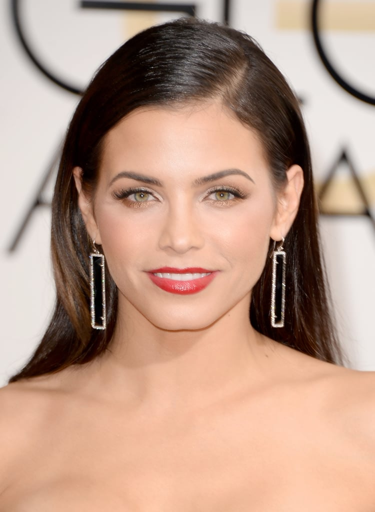 Jenna Dewan's shimmering shadow and red-orange lipstick are ideal for Valentine's Day.