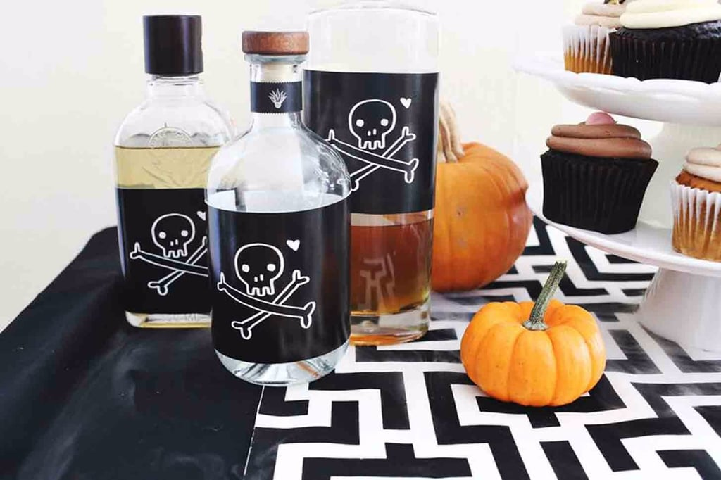 Easy diy halloween decorations popsugar smart living Diy halloween party decorations