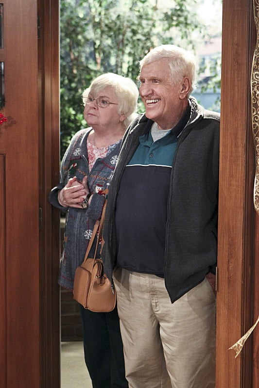 The Millers June Squibb and Jerry Van Dyke guest-star as Carol's parents on The Millers.