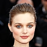 Aussie actress Bella Heathcote blew us away with metallic eyes and lashings of mascara. She didn't overdo it with the eyeshadow, creating a very subtle, smoldering look. Get her look at home using Naopleon Perdis Creme De La Creme Eyeshadow in Wild Bronze ($30).