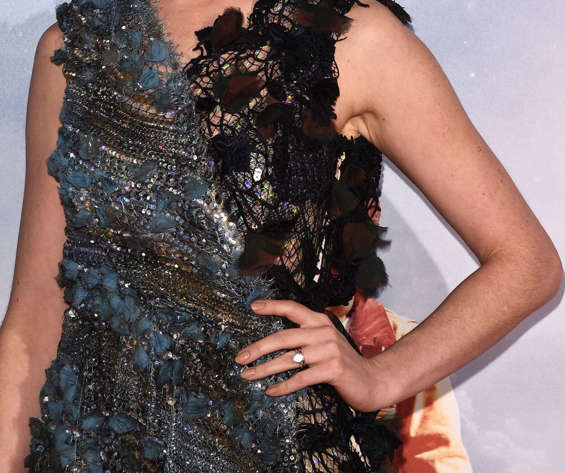 We Can T Get Over The Craftsmanship Of Her Dress It S Like A Work Trust Us You Ll Want To See Anne Hathaway S Dress Up Close Popsugar Fashion Photo 5