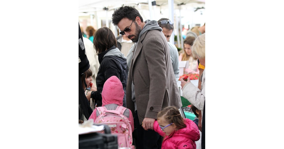 Ben Affleck With His Daughters at Brentwood Farmers Market ...