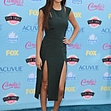 Selena Gomez Blows Into the Teen Choice Awards
