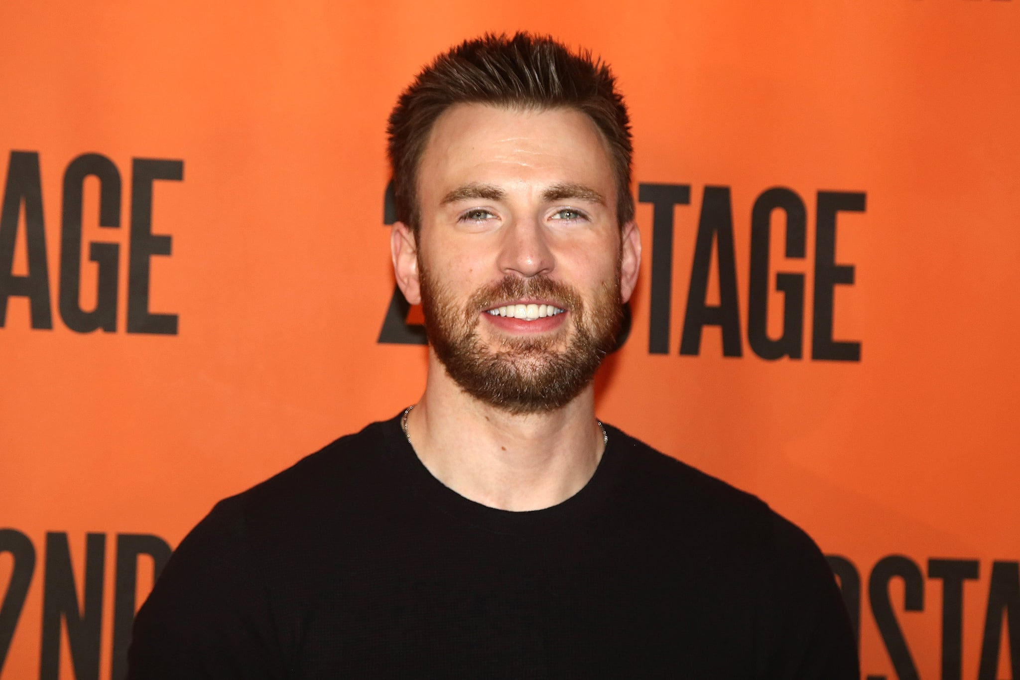 NEW YORK, NY - FEBRUARY 16:  Chris Evans poses at the new broadway play