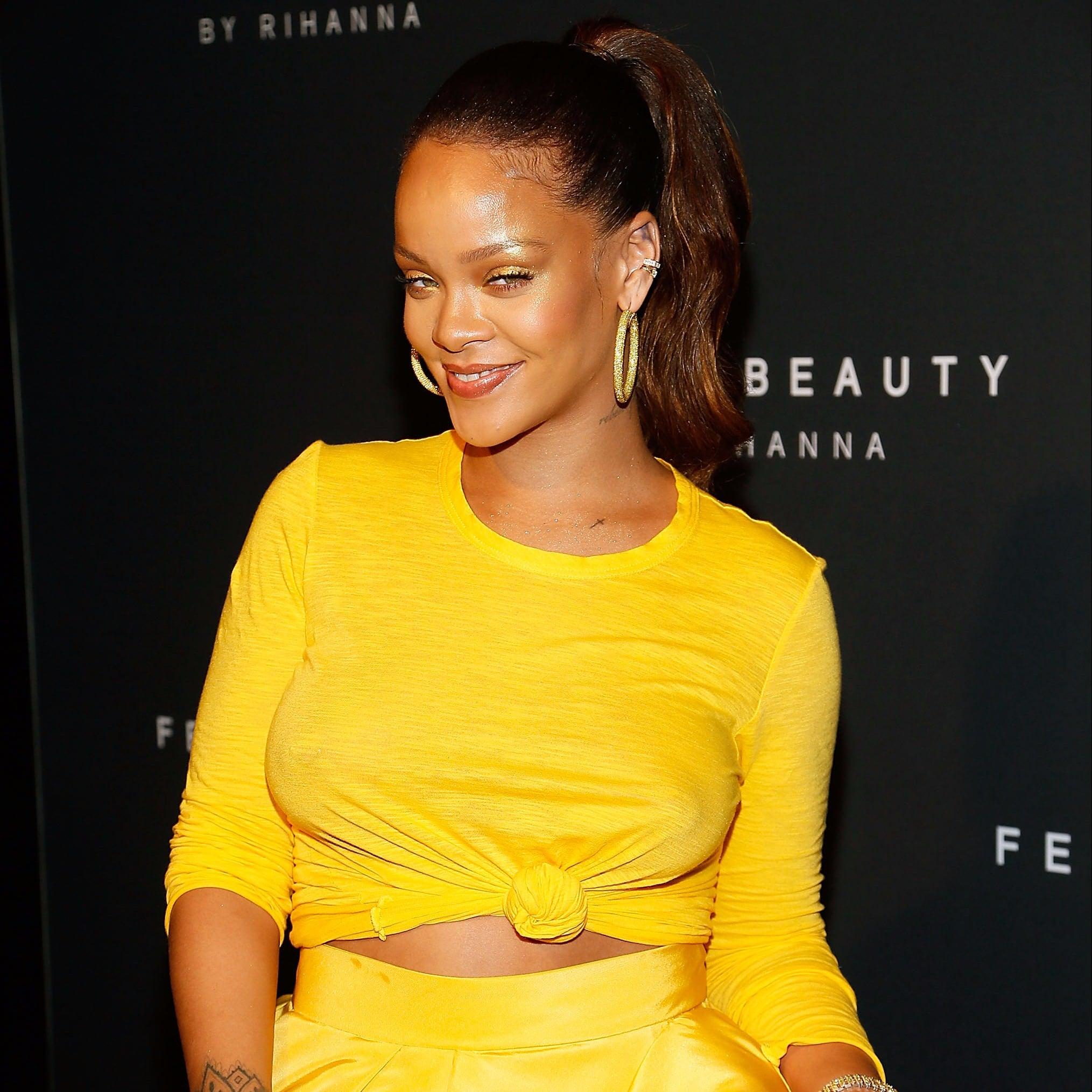 cleavage Pics Rihanna Braless naked photo 2017