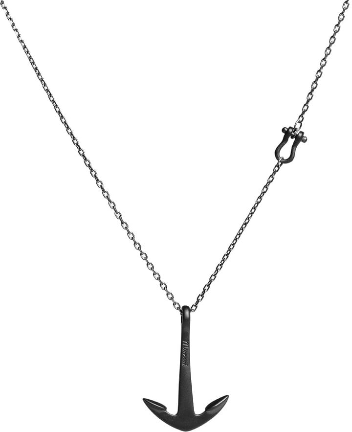 A Small Pendant Necklace