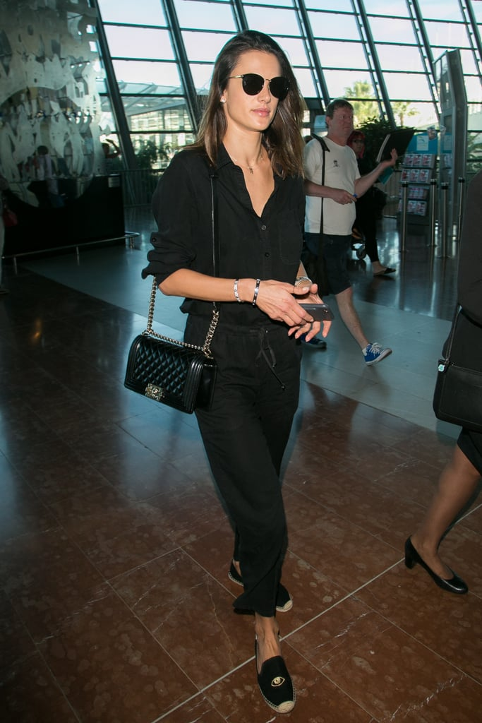 7299570477a2 Celebrities Carrying Handbags at the Airport