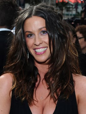 Lil Links: Alanis Morissette Has a Baby on the Way