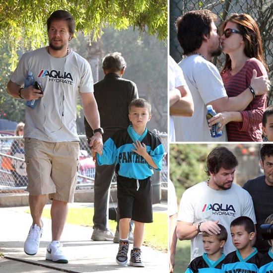 Mark Wahlberg and Rhea Durham Kissing | Pictures