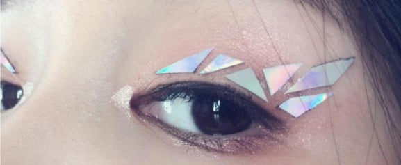 Wait, Shattered Glass Eyeliner Is Now a Thing!