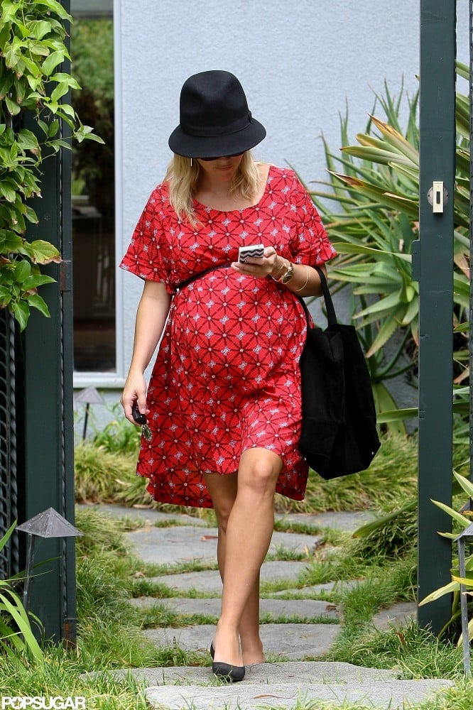 Reese Witherspoon wore a red dress.