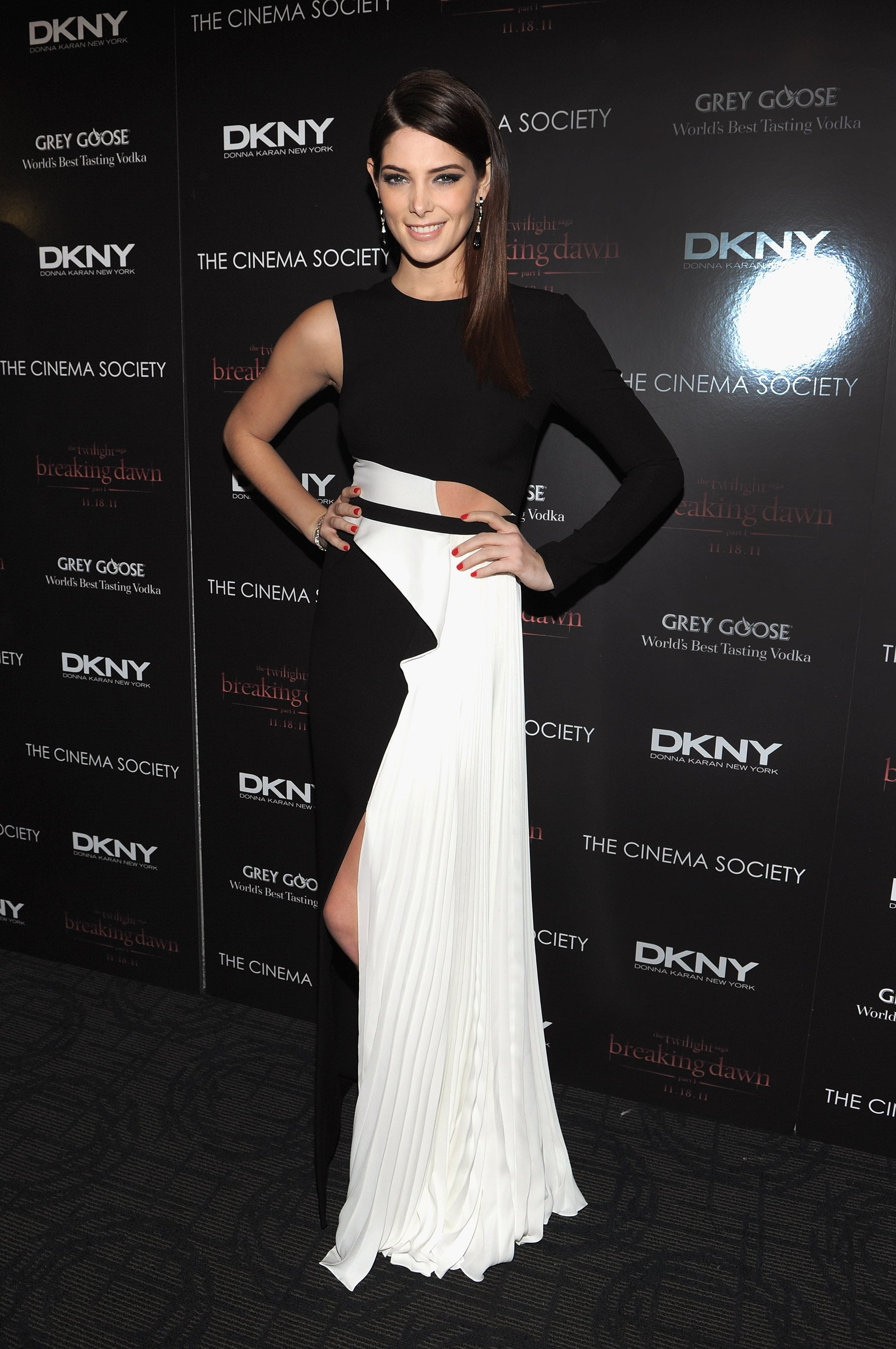 Ashley Greene hit a pose at a Breaking Dawn screening in NYC.