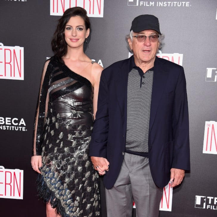 Anne Hathaway Engaged Celebrity Save The Dateanne: Anne Hathaway And Robert De Niro At The Intern NYC