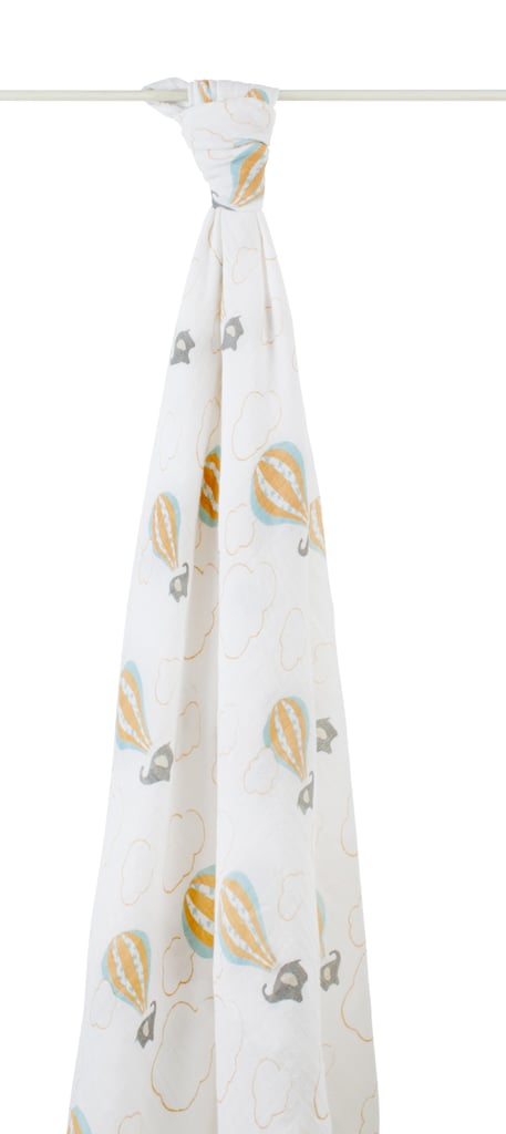 The blanket's organic cotton fabric keeps baby from overheating during nap time, while the elephants and hot air balloon pattern keeps them smiling.