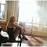 Ryan Murphy snapped a hot candid of Kate Hudson on the set of Glee earlier this year. Source: Twitter user MrRPMurphy