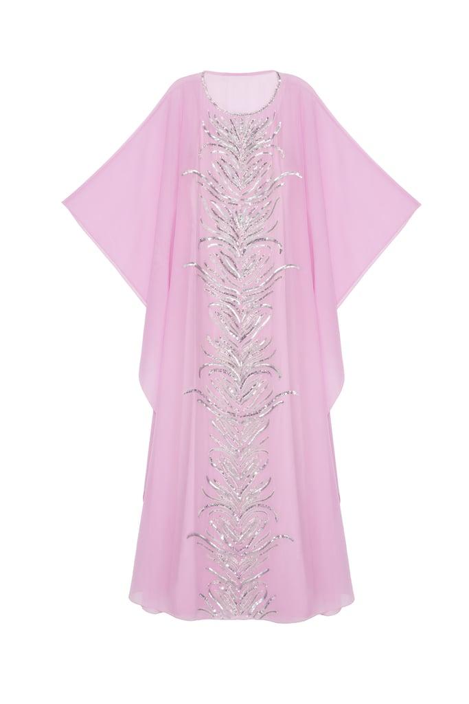 ثوب كيمونو بلون الباستيل مطرّز بالخرز من الأمام، بسعر 1,585 درهماً إماراتيّاً من متجر بي-بي