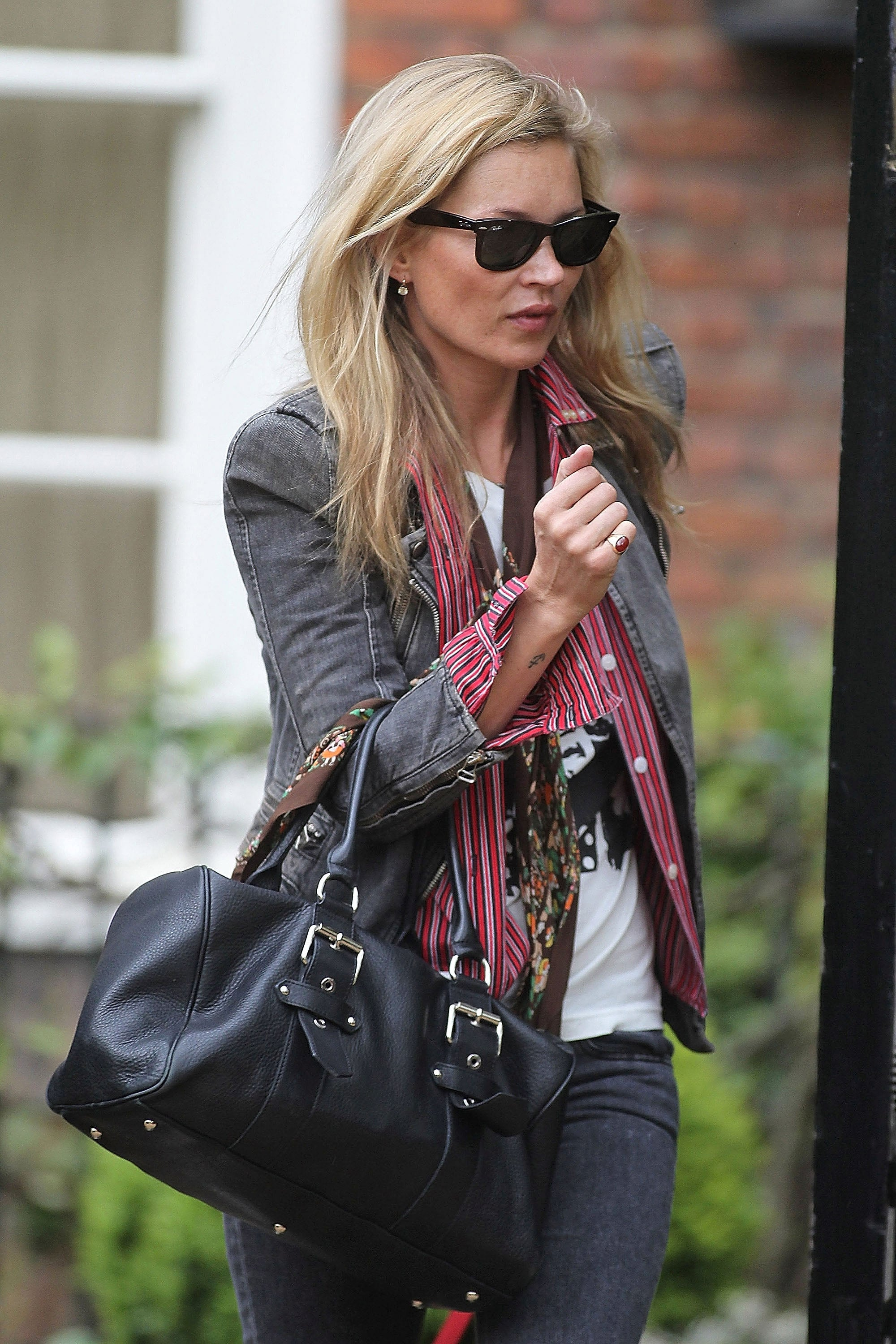 LONDON, UNITED KINGDOM - MAY 05: Kate Moss is seen on May 05, 2012 in London, United Kingdom.  (Photo by TOE/Bauer-Griffin/GC Images)
