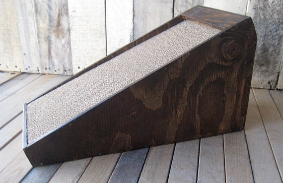 Wood Cat Scratcher