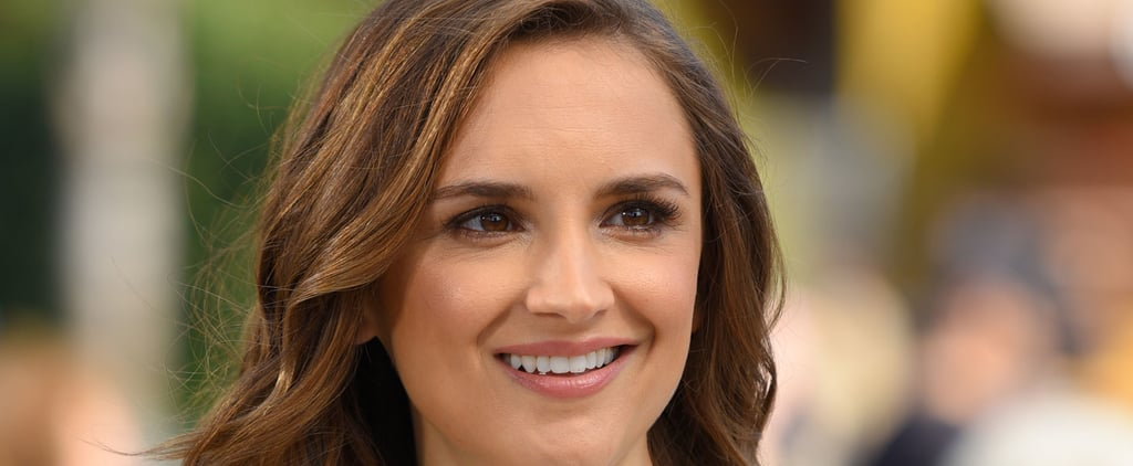 Rachael Leigh Cook on Extra Pictures 2016
