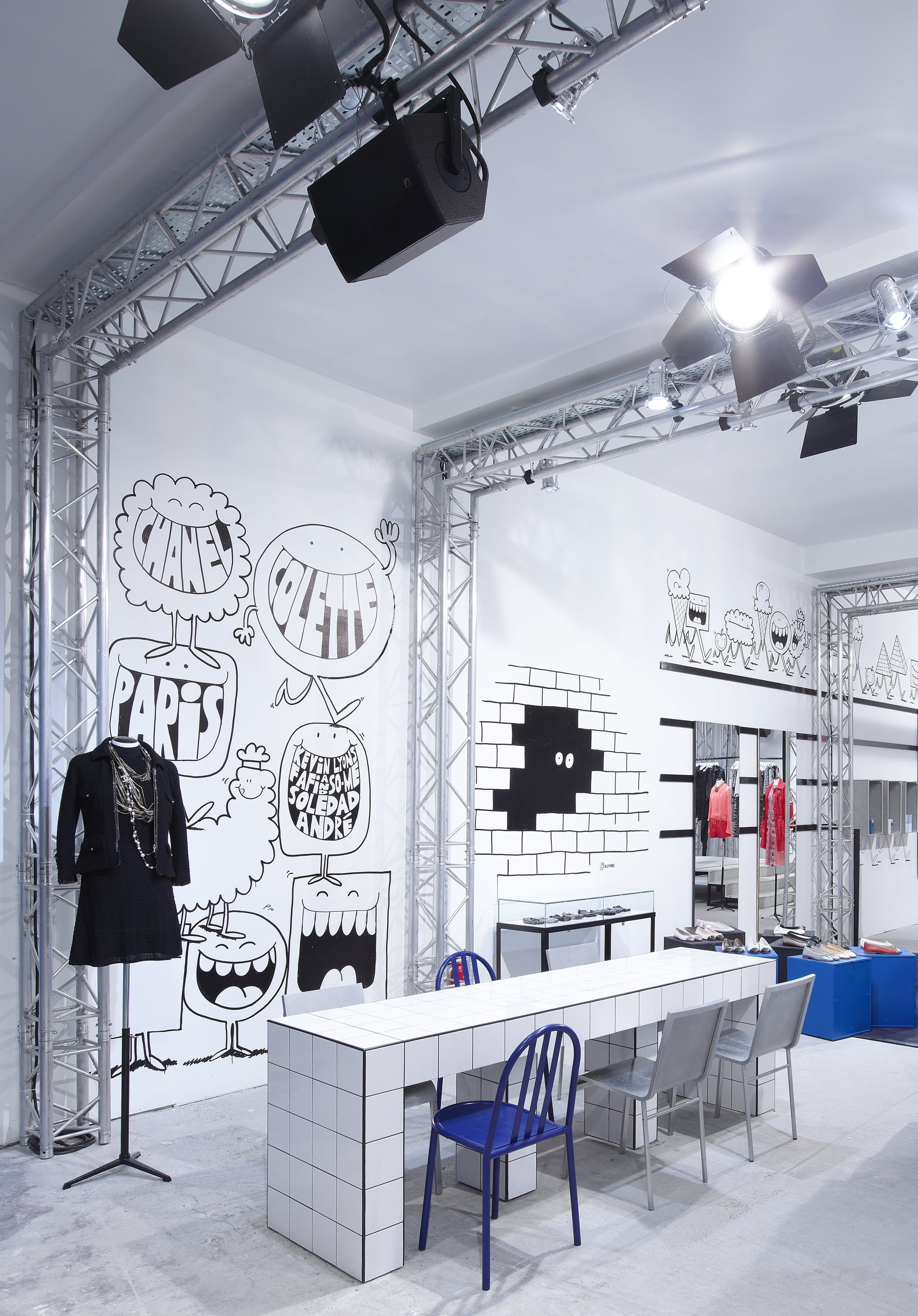 Chanel and colette collaborate on pop up store rue st honore paris popsuga - Magasin colette paris ...