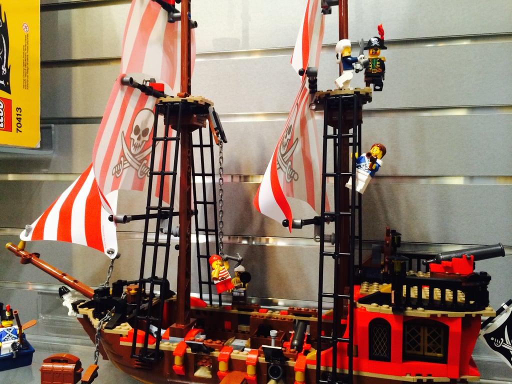 Lego Pirates Brick Bounty