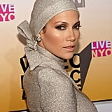 A shimmery gold minidress, complete with matching turban, made Jennifer the epitome of '70s-era glamour at the 2006 MTV Video Music Awards.