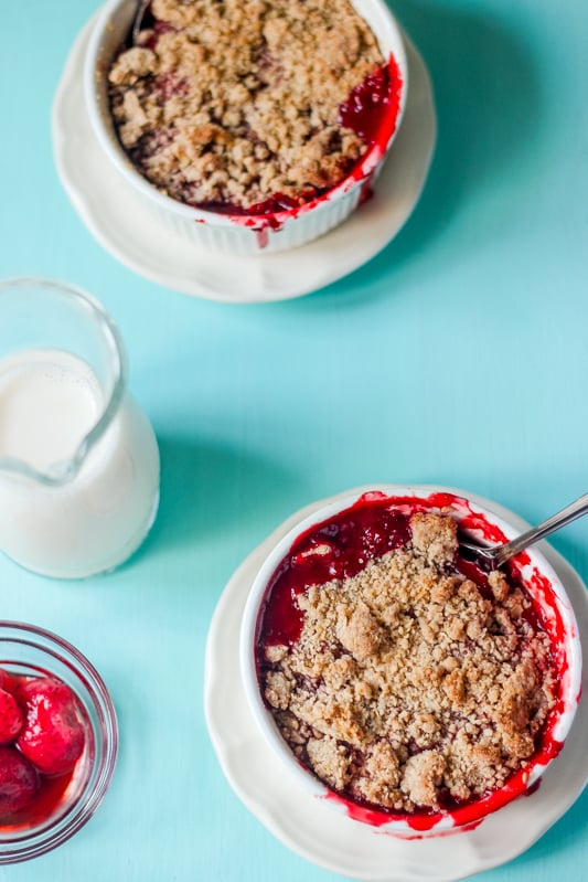 6-Ingredient Strawberry Crumble