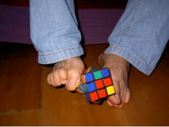 Anssi Vanhala Solves Rubik's Cube With His Feet