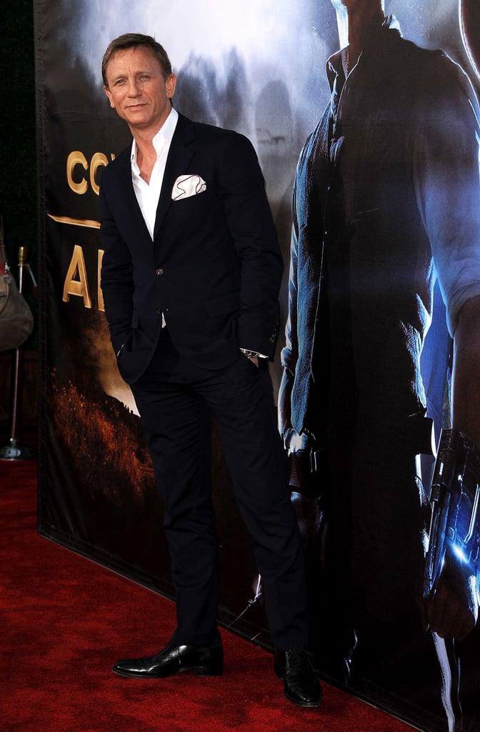 Daniel Craig walked the carpet solo.