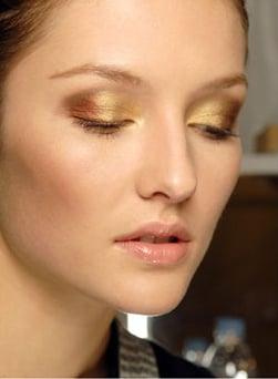 Beauty Blogs and Websites We Love at BellaSugarUK, Catwalk Autumn Winter Trends, Insider Beauty Gossip and Celebrity Lipstick