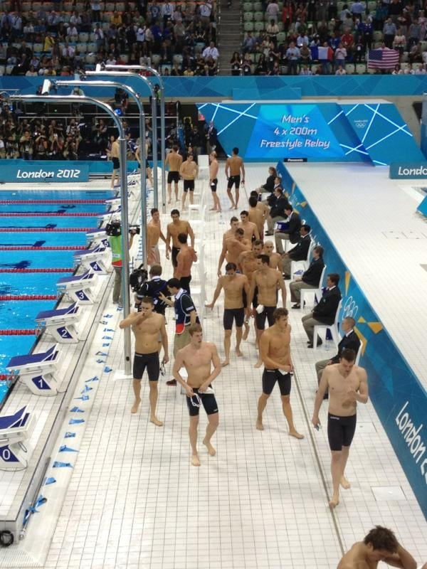 Bar Refaeli showed off her hot view of the swimmers.  Source: Twitter user barrefaeli
