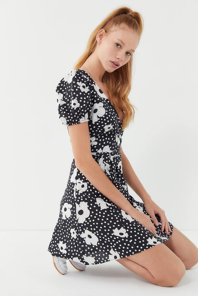 f3165f88d742 UO Jocelyn Printed Puff Sleeve Mini Dress | Urban Outfitters Summer ...