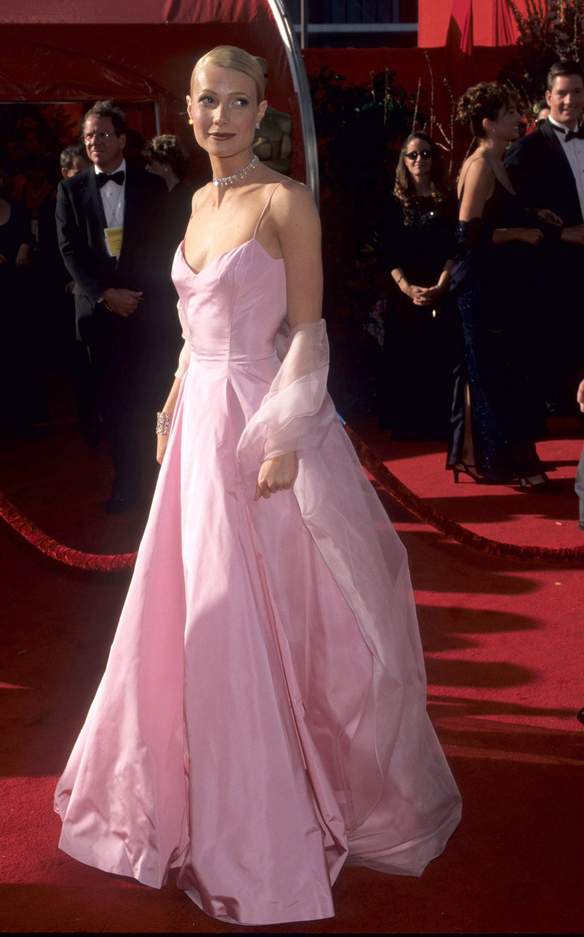 Gwyneth Paltrow in Ralph Lauren at the 1999 Academy Awards