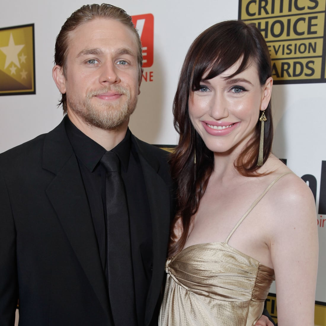 Charlie hunnam and his wife criticising write