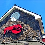 Does Red Lobster cook live lobsters?