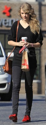 Taylor Swift Style 2010-12-08 16:30:24