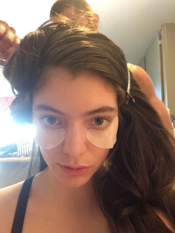 """""""Let's do this vma thing,"""" Lorde tweeted along with a picture of her glam routine."""