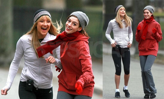 Kate Hudson and Anne Hathaway Filming Bride Wars 2008-03-31 17:00:00