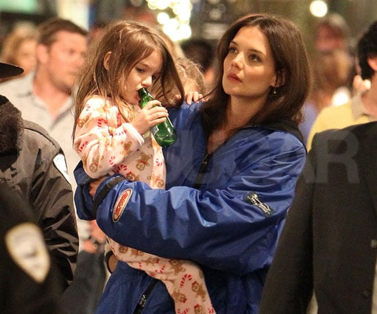 Slide Picture of Katie Holmes and Suri Cruise on the Set of Jack and Jill in LA
