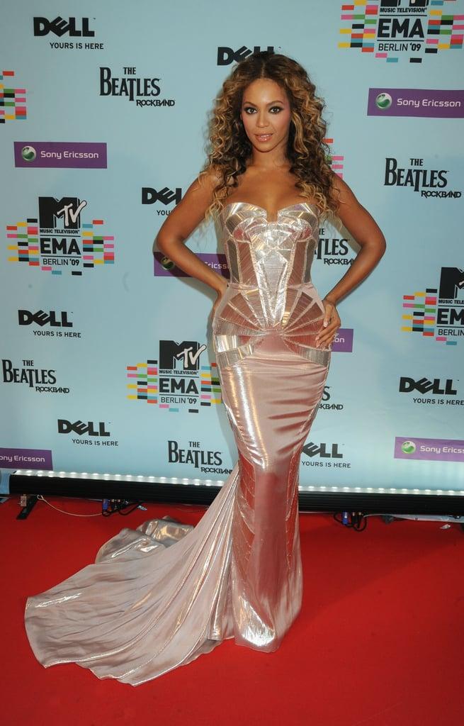 Beyoncé looked more like Sasha Fierce at the 2009 MTV Europe Music Awards.