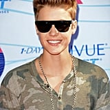Justin Bieber posed in sunglasses at the Teen Choice Awards.