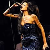 She was clad in a '60s-inspired strapless dress for a performance at England's Glastonbury festival in June 2008.