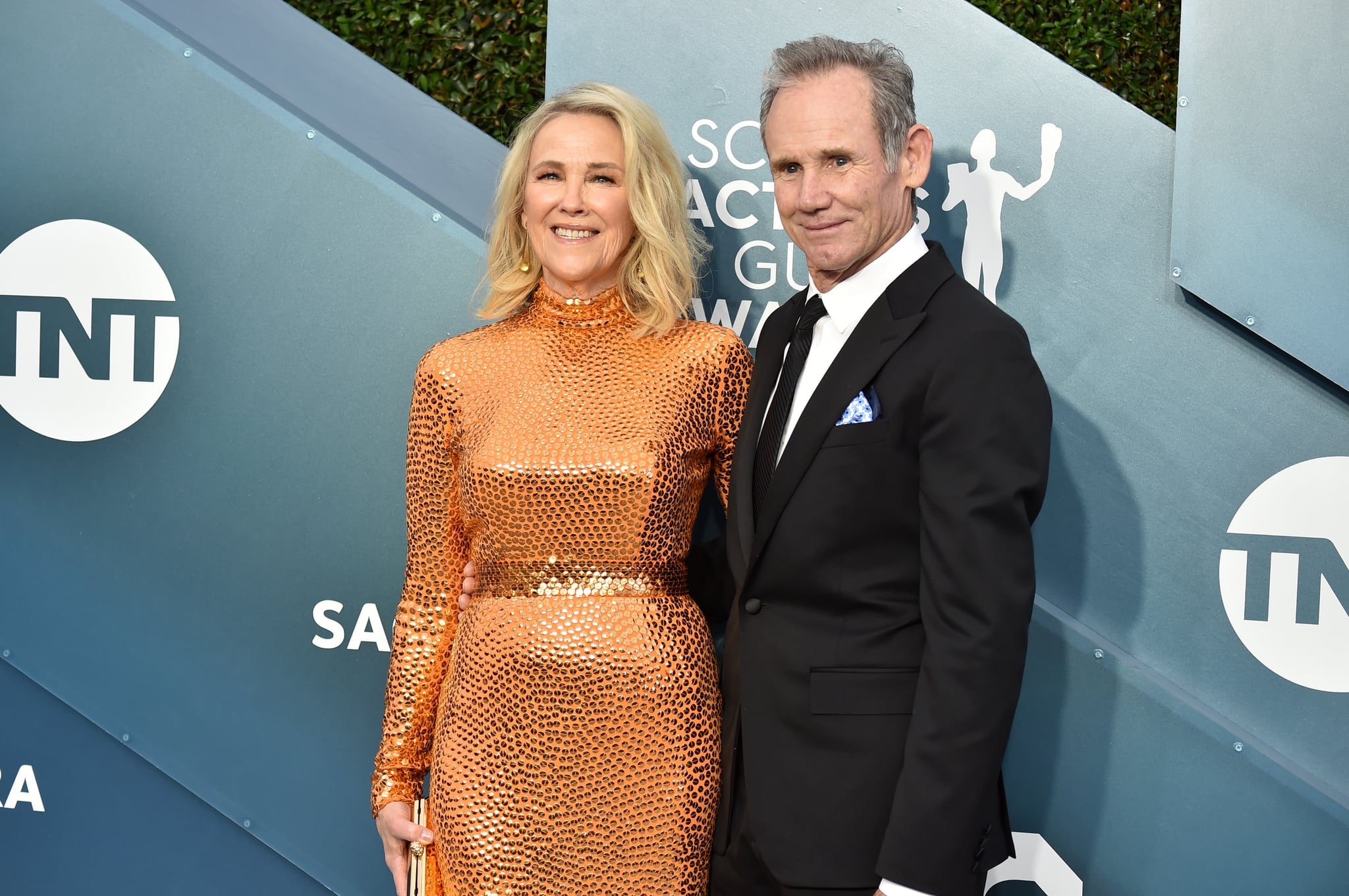 LOS ANGELES, CALIFORNIA - JANUARY 19: (L-R) Catherine O'Hara and Bo Welch attends the 26th Annual Screen Actors Guild Awards at The Shrine Auditorium on January 19, 2020 in Los Angeles, California. (Photo by Jeff Kravitz/FilmMagic)