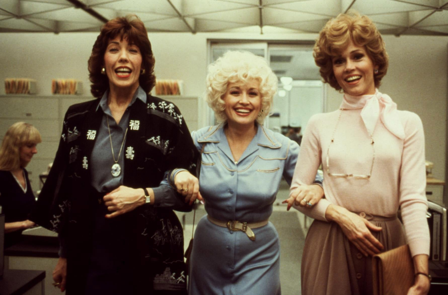NINE TO FIVE, (aka 9 TO 5), Lily Tomlin, Dolly Parton, Jane Fonda, 1980. TM and Copyright  20th Century Fox Film Corp. All rights reserved. Courtesy: Everett Collection.