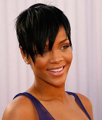 Rihanna @ Grammys: photo of her new haircut