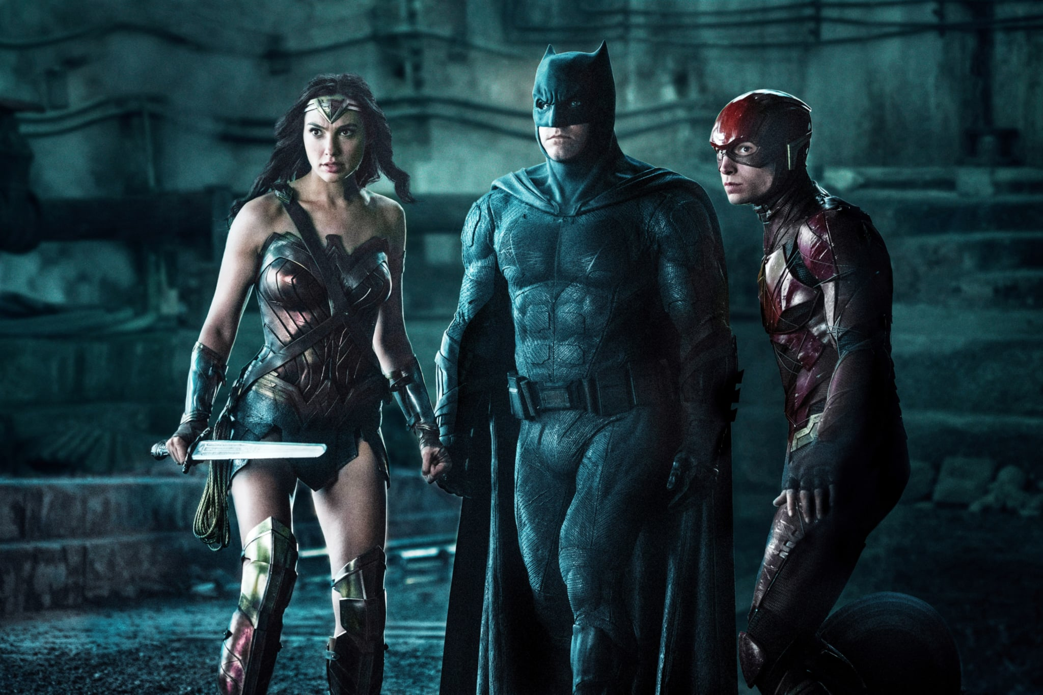 JUSTICE LEAGUE, l-r: Gal Gadot (as Wonder Woman), Ben Affleck (as Batman), Ezra Miller (as The Flash), 2017. ph: Clay Enos/Warner Bros. Pictures/courtesy Everett Collection